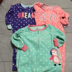 ⭐️BUNDLE OF 3⭐️ toddler girls 2T fleece footed pjs